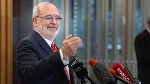 The image shows Distinguished Professor Sir Peter Gluckman, director of Koi Tū: The Centre for Informed Futures and former Chief Science Adviser to the Prime Minister.