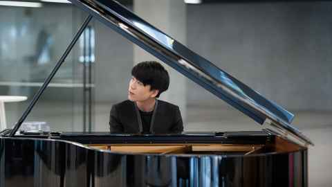 Pianist Jason Bae.