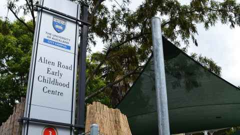The University of Auckland City Campus Alten Road Early Childhood Centre street sign