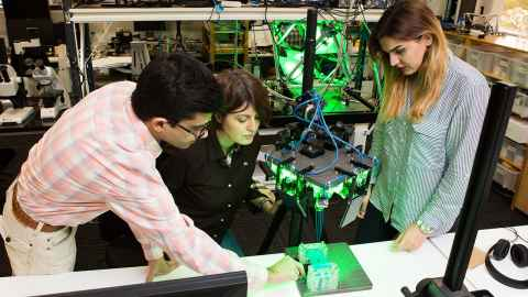 Student learning from researchers the Auckland Bioengineering Institute